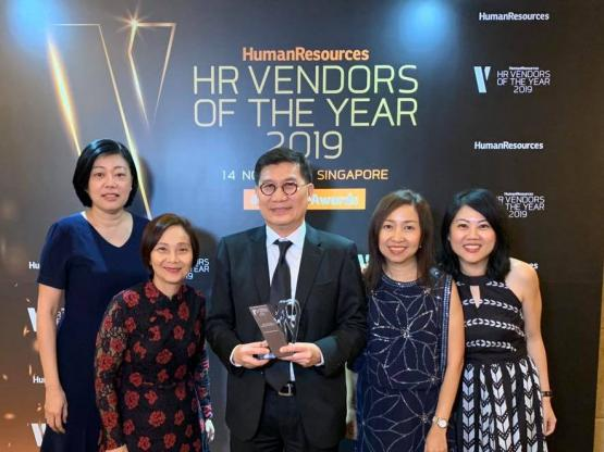 Howden Employee Benefits Team winning HR vendor award